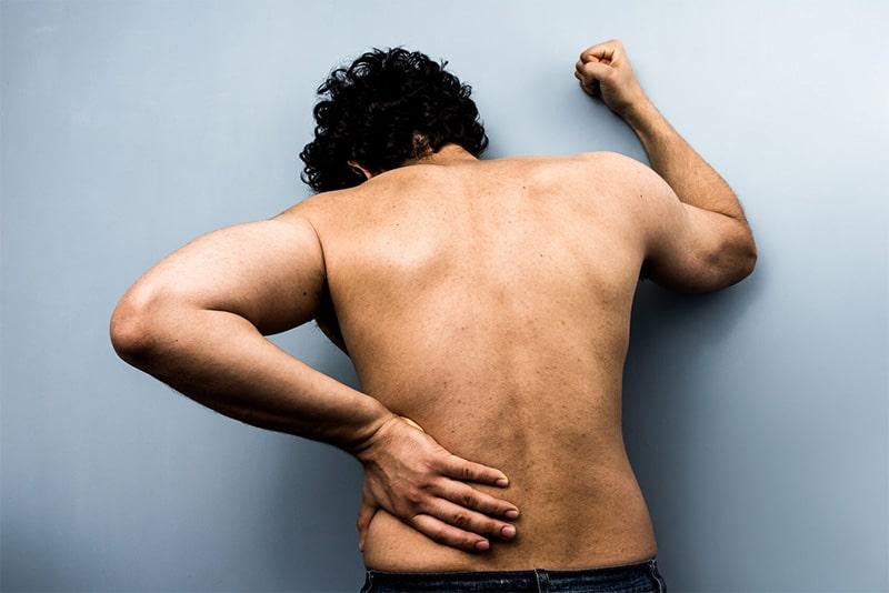 درمان درد عصب سیاتیک کمر و پا با فیزیوتراپی، علائم و علتها