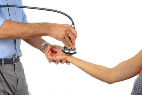 درمان سندروم دکورون با شاک ویو تراپی