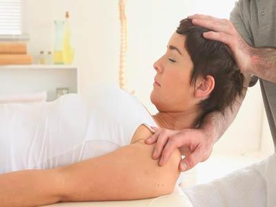 منیپولیشن و کایروپراکتیک در درمان قوس گردن
