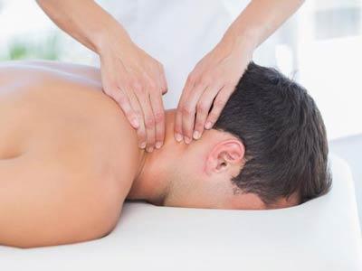 درمان قوس گردن با ماساژ درمانی